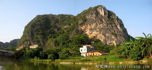 春湾镇前进村委会大铜石自然村背后的通真岩,是刘三姐传歌和升仙的